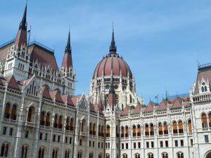 paleis 300x225 - Boedapest