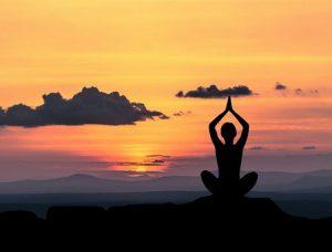 pose 300x228 - Mediteren kun je leren