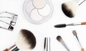 makeup brush 1768790 1920 300x177 - Lifestyle