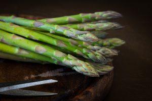 asparagus 2178164 1920 300x200 - Koken met Heleen: Salade van geroosterde groene asperges!
