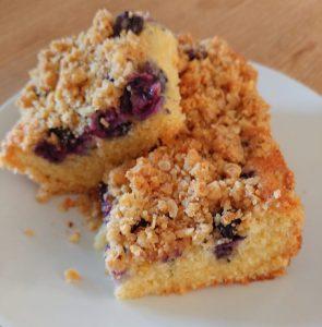20190517 115509 295x300 - Bakken met Heleen: Blauwe Bessen Crumble Cake!